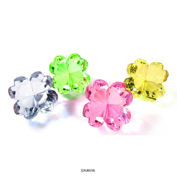 ACRYLIC DIAMOND CUT CLOVER BIG